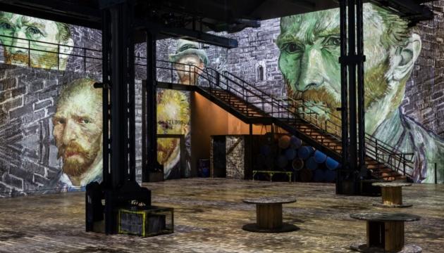 У Парижі оживили картини Ван Гога