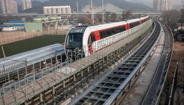 У Китаї запустять нову версію міжміських потягів на автопілоті