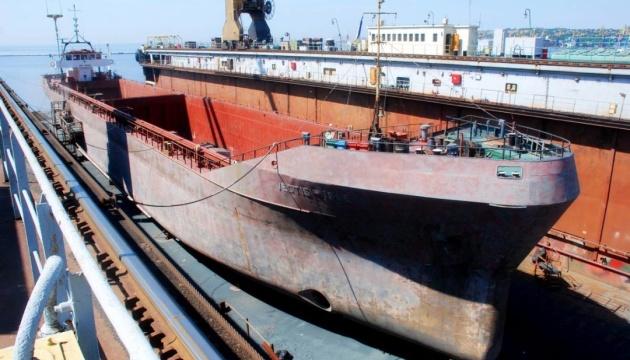 Влад Троїцький створить оперу на судоремонтному заводі в Маріуполі