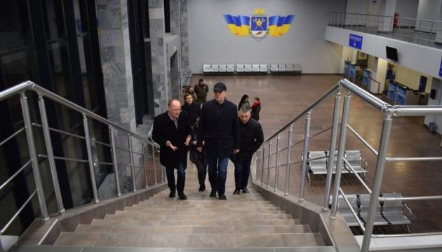 Омелян сприятиме залученню авіакомпаній для внутрішніх рейсів з Миколаєва
