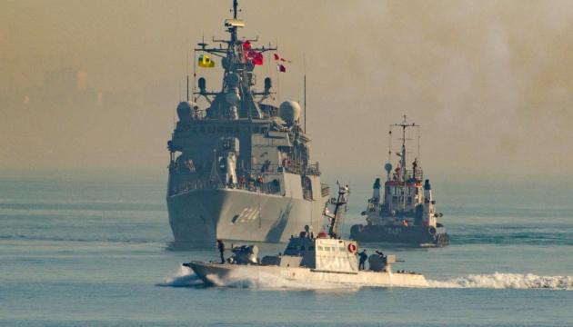 Українські та турецькі моряки провели навчання PASSEX у Чорному морі