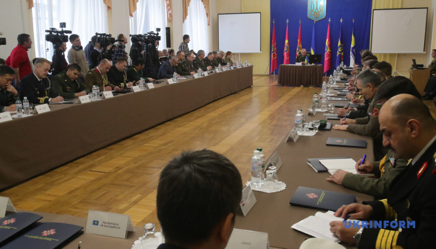Chief of General Staff tells foreign military attaches about reform of Ukraine's Armed Forces. Photos