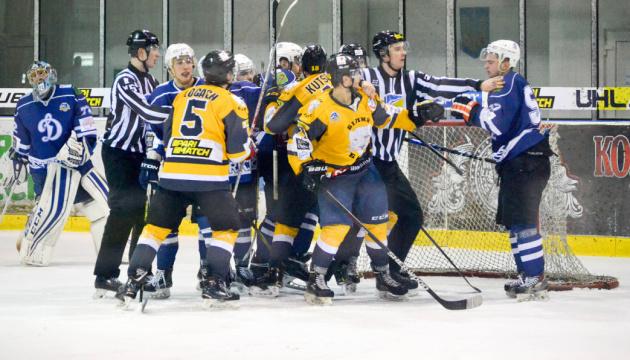 Хоккей: «Белый Барс» вышел в полуфинал плей-офф УХЛ