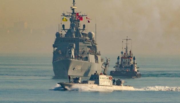 ウクライナとトルコの艦船、黒海で共同演習実施