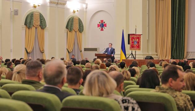Учасниками бойових дій стали понад сім тисяч жінок - Полторак