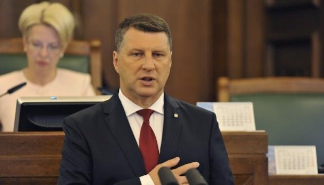 Letonia insta a Europa a unirse para enfrentar a Rusia