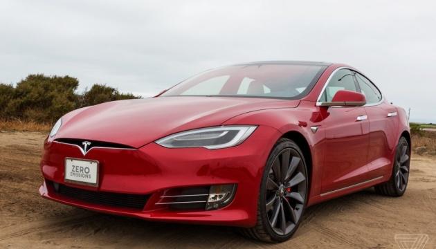 Tesla передумала закривати роздріб і підняла ціни на дві моделі