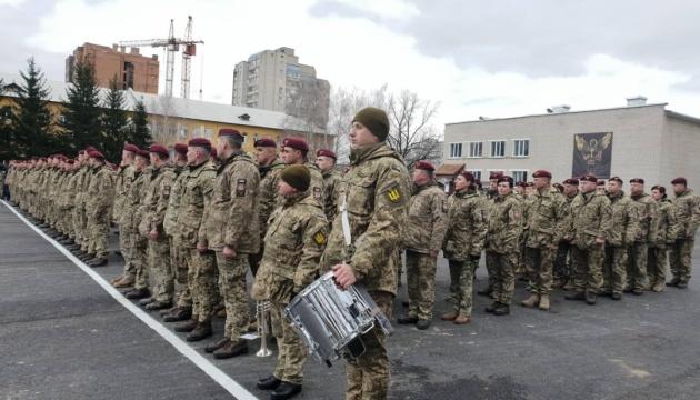 Україні потрібна високоточна ракетна зброя підвищеного радіусу дії - Президент
