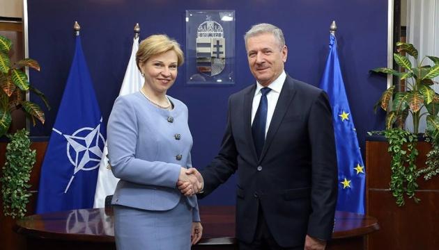 Посол України просить у Будапешта підтримки курсу Києва на ЄС і НАТО