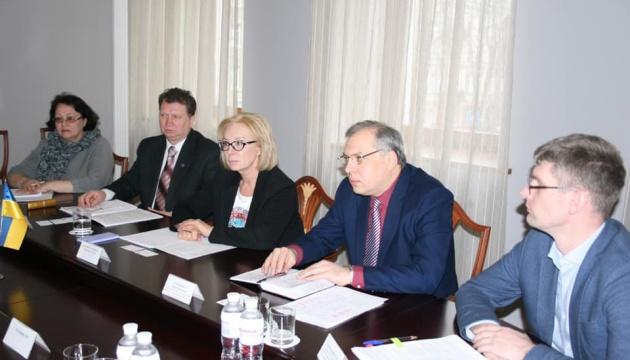 Денісова зустрілася з головою Місії ОБСЄ зі спостереження за виборами Президента