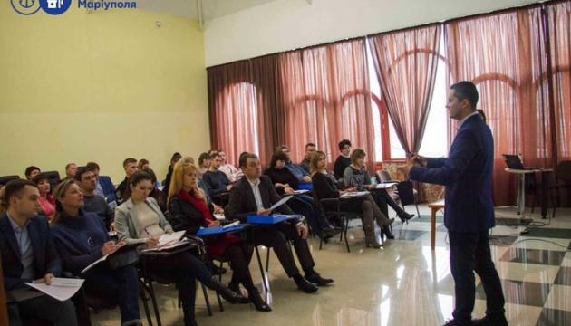У Маріуполі презентували проект від USAID