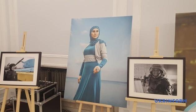 У Сеймі Польщі відкрили виставку світлин про Аміну Окуєву