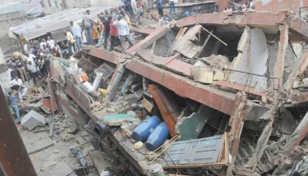 Картинки по запросу В Нигерии обвалилось здание местной школы