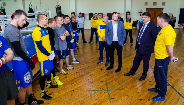 Жданов підтримує ідею проведення в Україні ліцензійного турніру з боксу на Ігри-2020