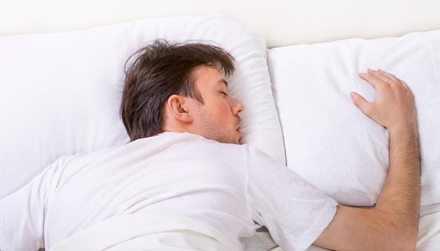 «Гормон сна» увеличивает шансы преодолеть тяжелую форму COVID-19