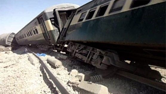 У Пакистані через вибух потяг зійшов з рейок, щонайменше 4 загиблих