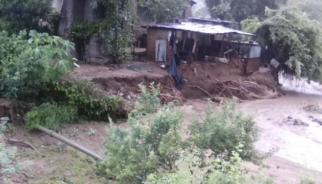 В Зимбабве наводнение унесло жизни более 30 человек