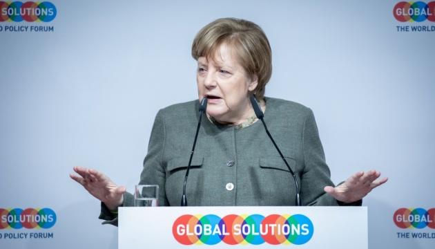 Меркель не збирається ставати єврочиновником