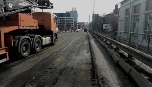У Кличко показали, как демонтируют Шулявский мост
