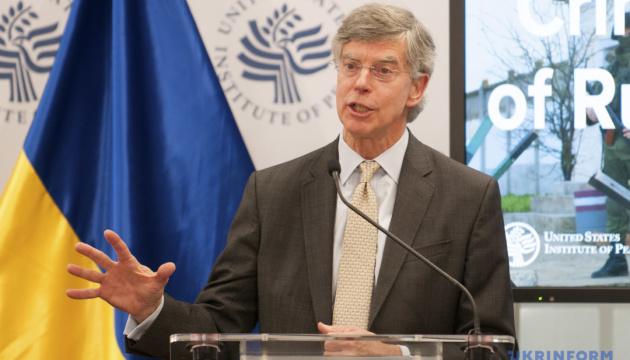 Екс-посол США розповів, що потрібно для повернення Криму