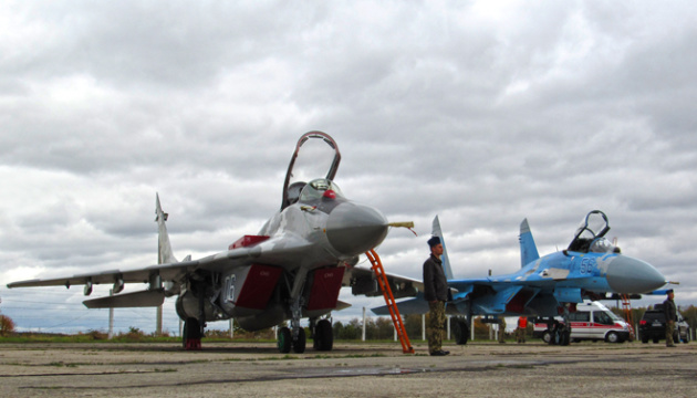 Зліт парою та протиракетні маневри: авіація ООС виконала завдання над Азовським морем