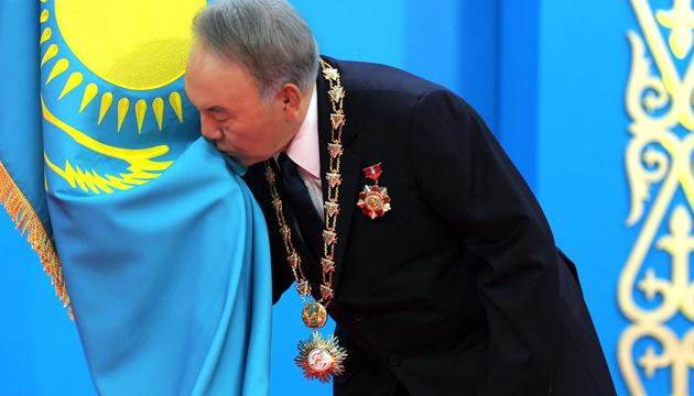 Відставка Назарбаєва: незамінюваних людей немає, але є незамінні