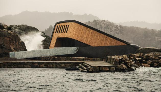 Відкрився перший у Європі підводний ресторан