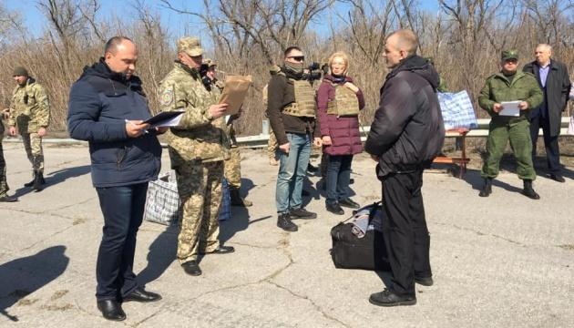 Denísova: Sesenta convictos trasladados del Donbás ocupado (Fotos)