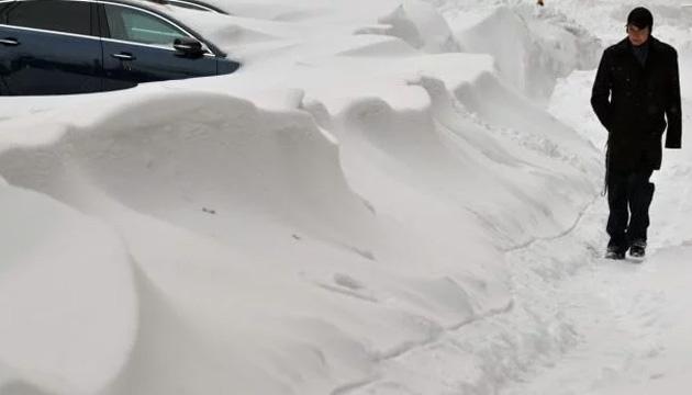 Дома засыпало снегом под самую крышу: мощный циклон накрыл Сахалин