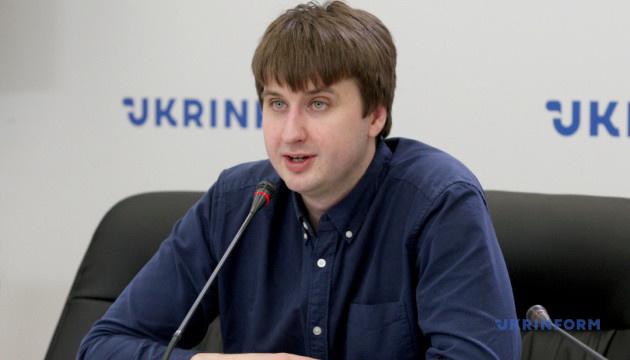 Половина українців переоцінюють свою здатність відрізнити правду від фейків