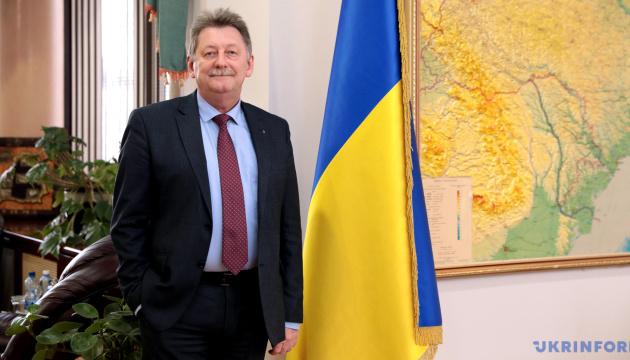 El Embajador de Ucrania regresa a Minsk, pero los contactos oficiales siguen