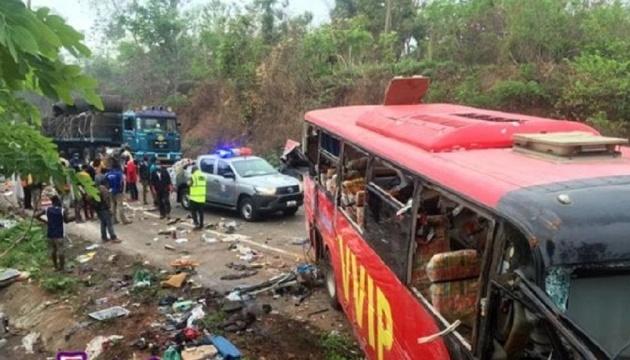В Гане столкнулись два автобуса: 60 погибших