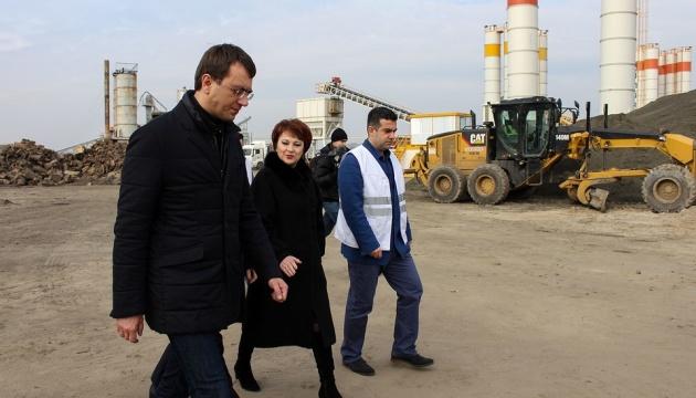 Омелян заявив про початок ери бетонних доріг в Україні