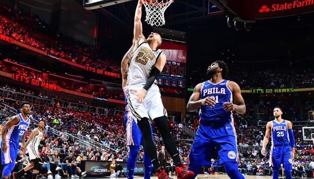 НБА: Лень набрав 14 очок і допоміг «Атланті» обіграти «Філадельфію»