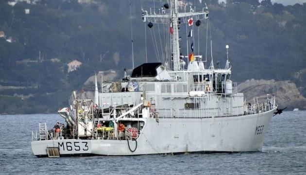 フランスの掃海艇「M653 Capricorne」がオデーサ港に寄港