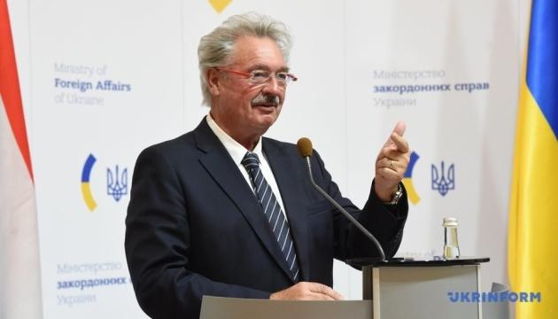 Titular de Exteriores luxemburgués: La anexión de Crimea sigue siendo una amenaza para la seguridad internacional (Fotos)