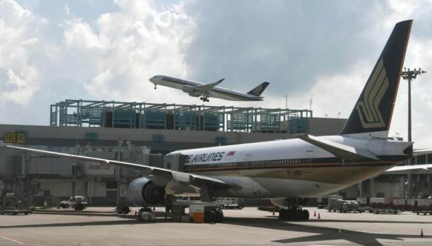 Пассажирский самолет экстренно сел в Сингапуре после звонка о бомбе на борту