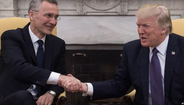 Трамп на зустрічі зі Столтенбергом висловив сподівання на «хороші відносини» з РФ