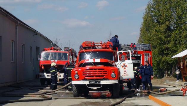 На Львівщині у вогні загинули 500 свиней, понад тисячу врятували
