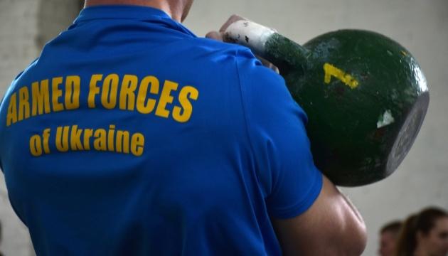 В Житомире прошли соревнования по гиревому спорту среди десантников