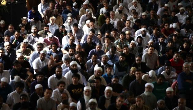 На панахиду за жертвами теракту в мечеті Новій Зеландії пришли десятки тисяч