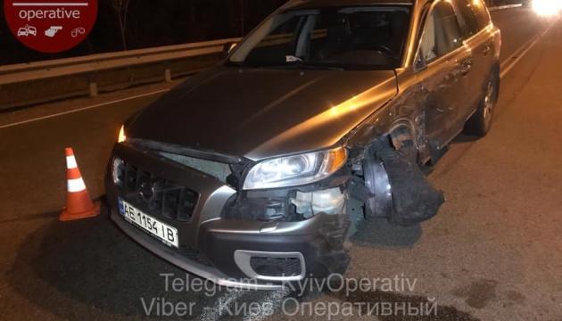 """""""Пьяное"""" ДТП в Киеве: Volvo въехал в грузовик с 25 нацгвардейцами"""