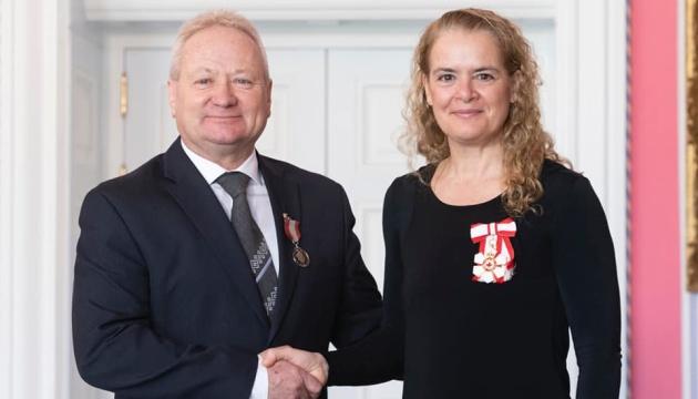 Лідер української громади Канади отримав державну нагороду від канадського уряду