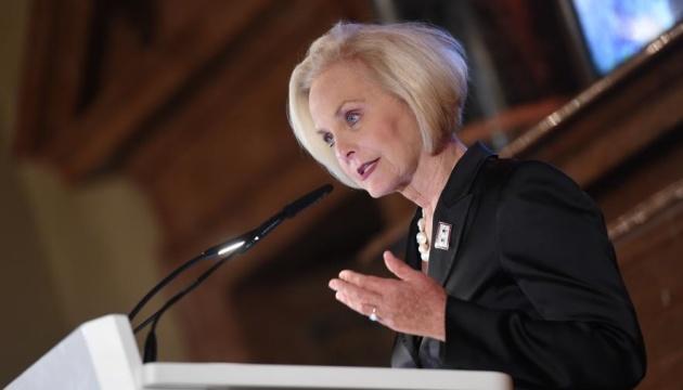 Вдова сенатора Маккейна про чоловіка: Тепер я розумію, чому він любив Україну