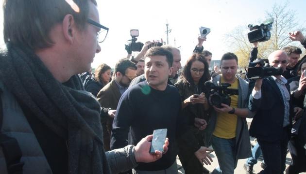 Les conseillers de Zelensky dévoilent sa feuille de route en cas de victoire aux élections