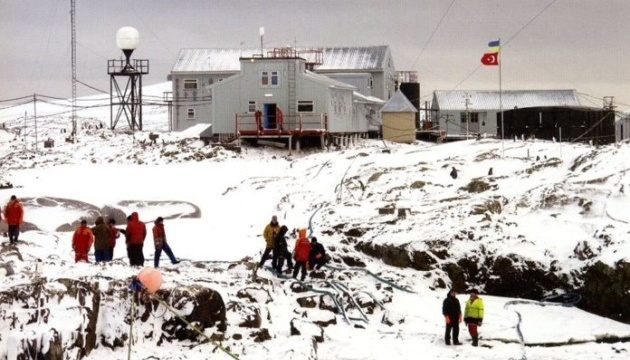 Вибори на антарктичній станції тривали годину — проголосували 34 українці
