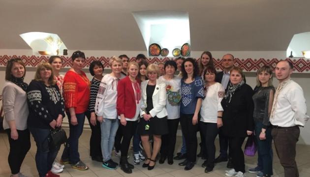 Вчителі з України побували в українській школі в Угорщині