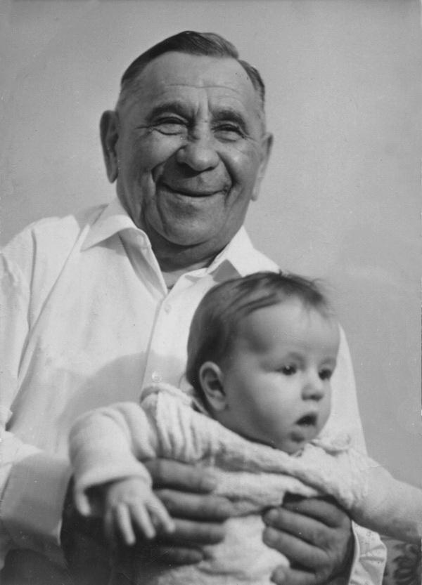 З онуком Миколою, 1968 р.