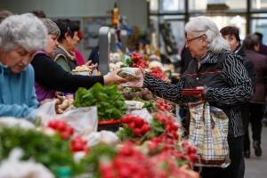 保健省、食料品市場の営業を条件付きで許可