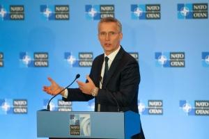 НАТО відповідатиме на кібератаки, а не лише оборонятиметься - Столтенберг